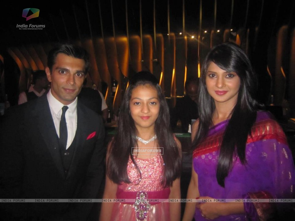 Jennifer Winget and Karan Singh Grover (200937) size:1024x768