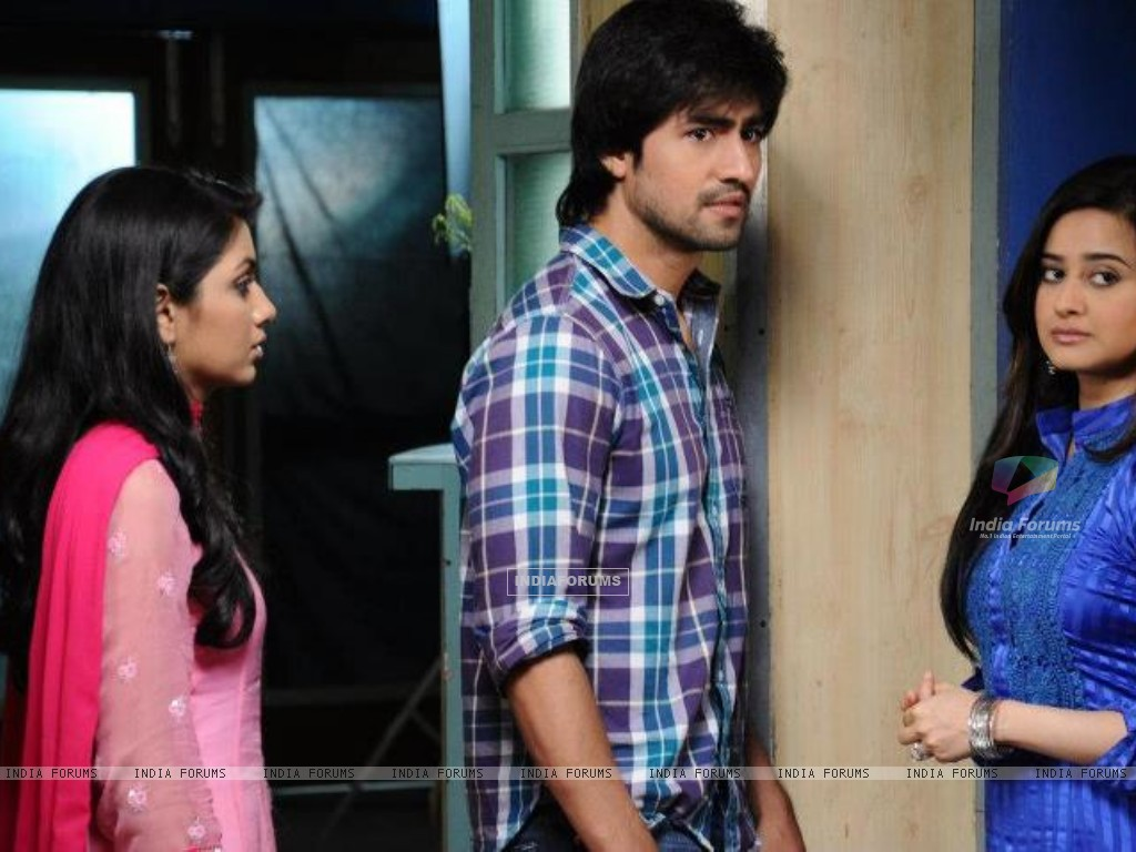 Harshad Chopra, Sriti Jha and Neha Mehta (202256) size:1024x768