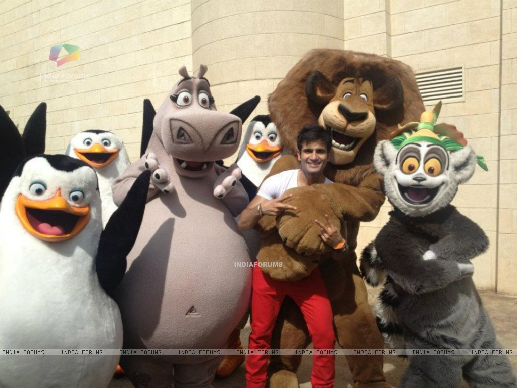 Karan Tacker in Madagascar - Singapore (202444) size:1024x768