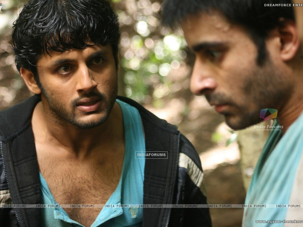Nitin shouting on Gautam Rode (20394) size:1024x768