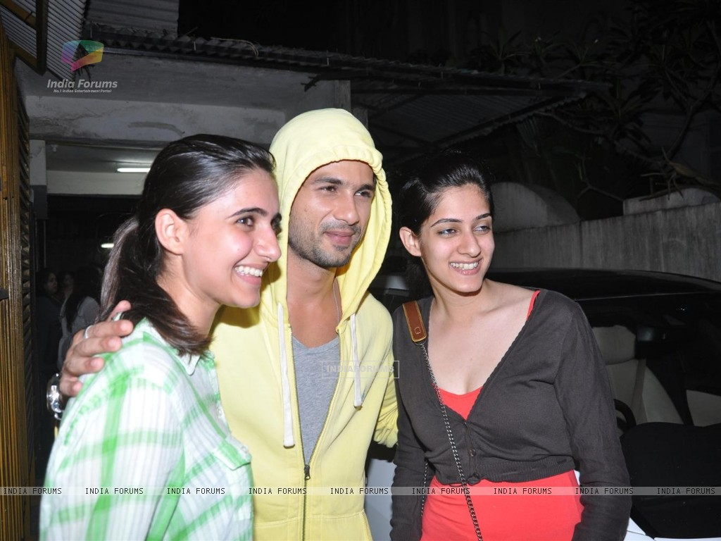 Shahid Kapoor at Special Screening Film Teri Meri Kahaani (203975) size:1024x768
