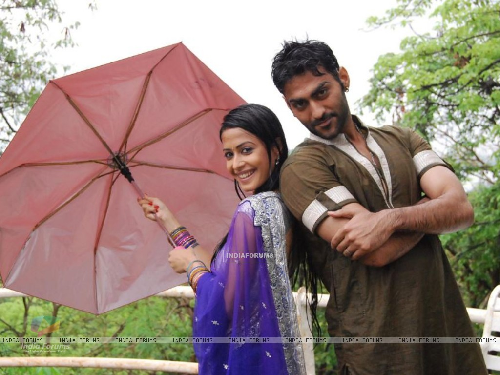 Dimple as Nimrit and Navi as Agam (204812) size:1024x768