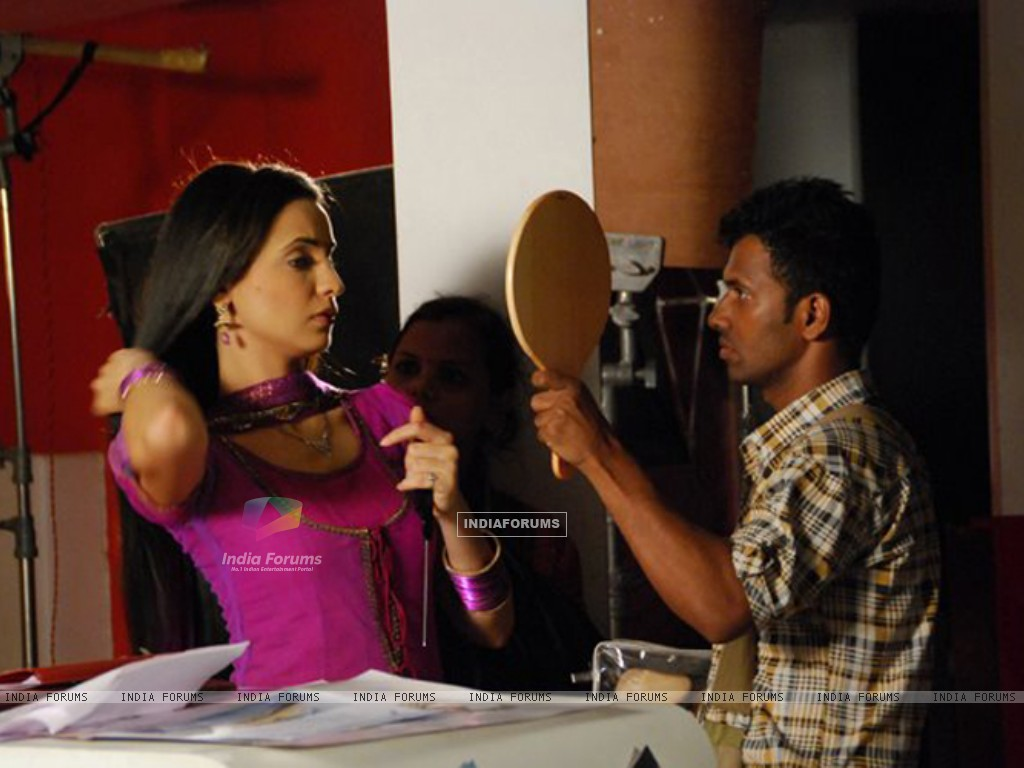 Sanaya Irani on the sets of Iss Pyaar Ko Kya Naam Doon? (204816) size:1024x768