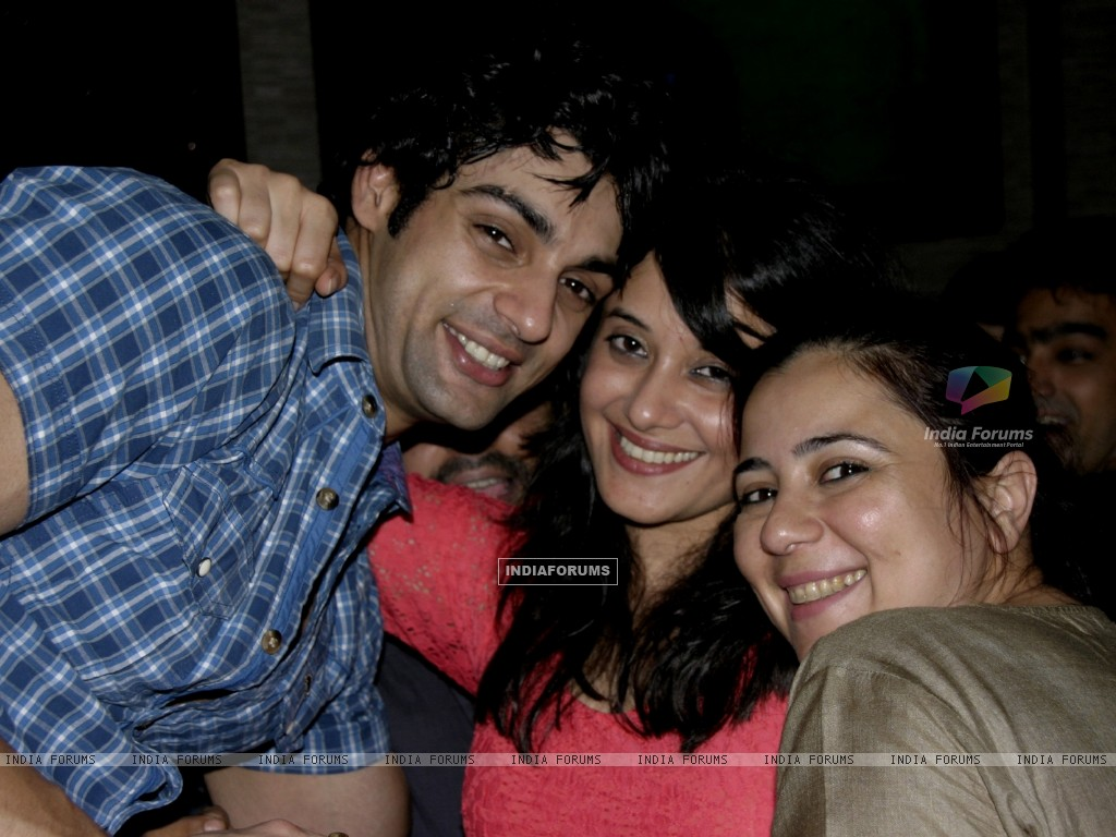 Karan wahi with Shristi Arya at Karan Wahi Birthday Party (206682) size:1024x768