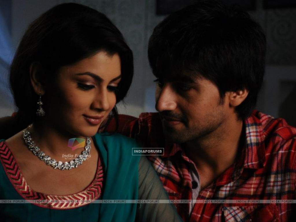 Harshad Chopra and Sriti Jha (208549) size:1024x768