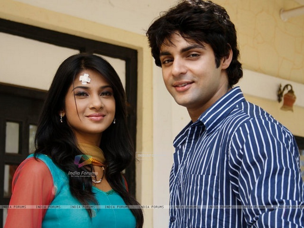 Jennifer Winget and Karan Wahi (214384) size:1024x768
