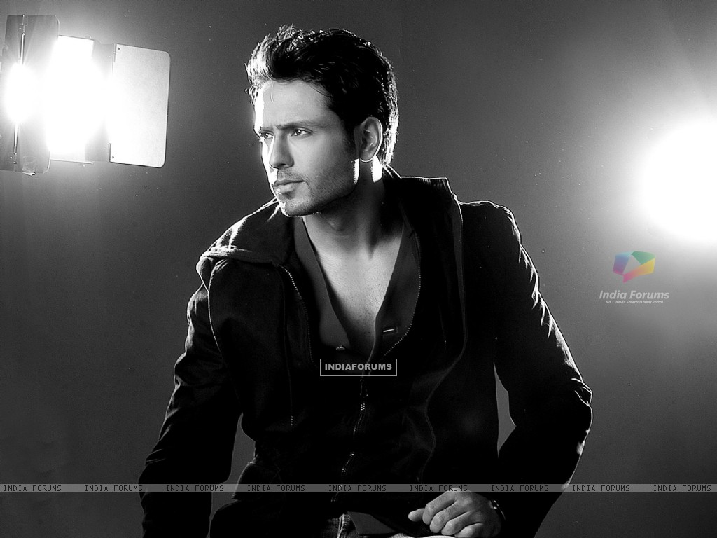Iqbal Khan (215984) size:1024x768