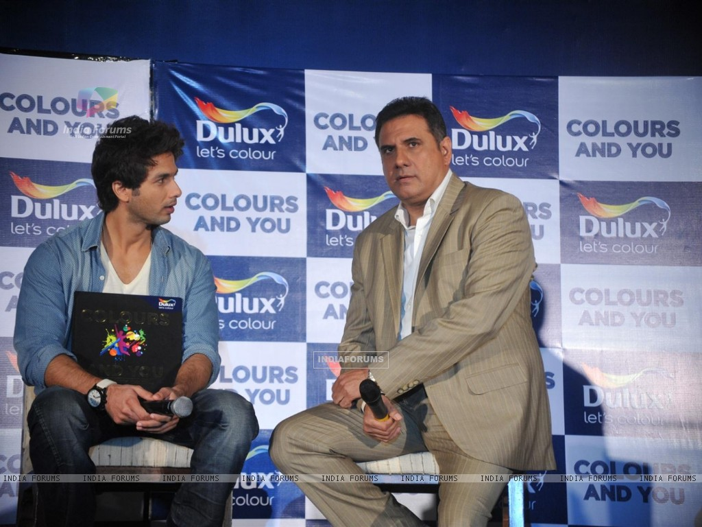 Shahid and Boman Irani at Dulux let's colour event (216927) size:1024x768
