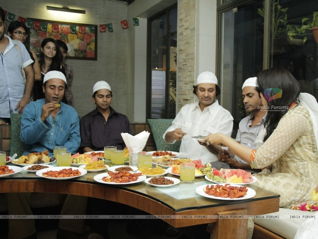 Gangs Of Wassepur iiftar party at Shalimar Hotel (220568) size:1024x768