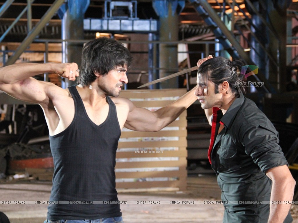 A still of Harshad Chopra and Karanvir Bohra from Dil Se Di Dua Saubhagyavati Bhava (221877) size:1024x768