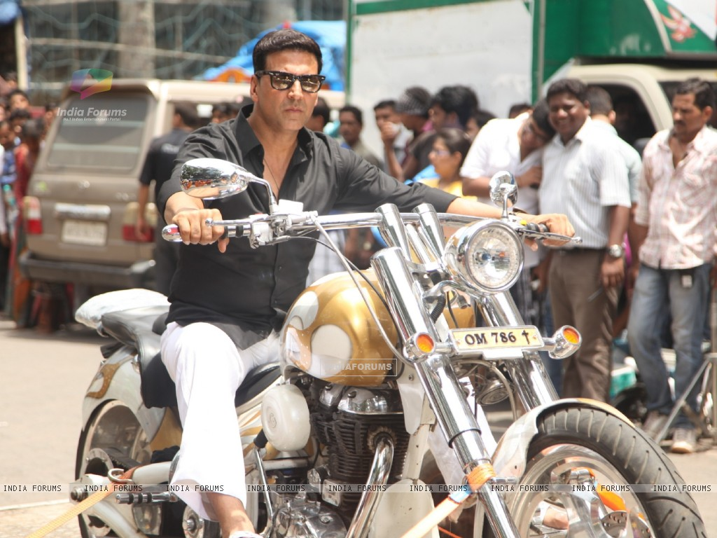 Divine Bike For Akshay Kumar In OMG Oh MyGod (221954) size:1024x768
