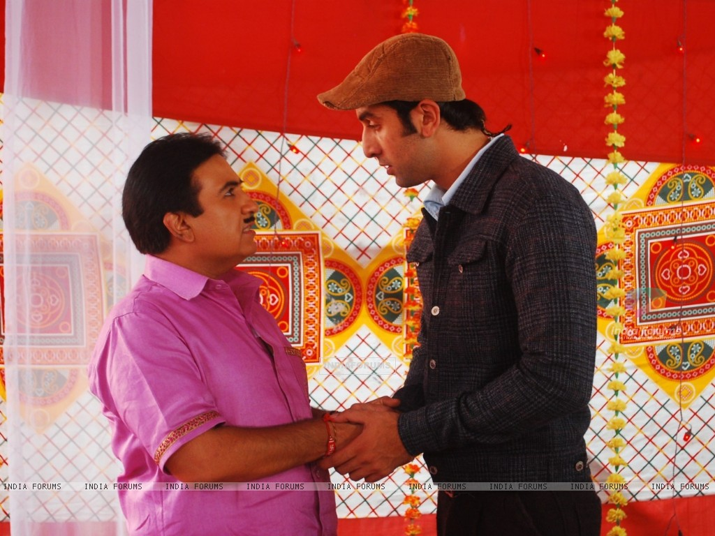 Dilip Joshi with Ranbir Kapoor on location of Taarak Mehta Ka Ooltah Chashmah (223823) size:1024x768