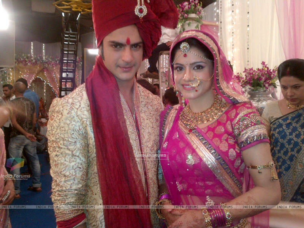Ashish aka Saahil and Rishika aka Shivani getting married (224878) size:1024x768