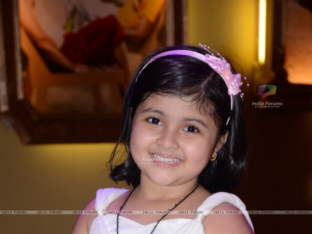 Amrita Mukherjee as Pihu in Bade Acche Lagte Hain (225302) size:1024x768
