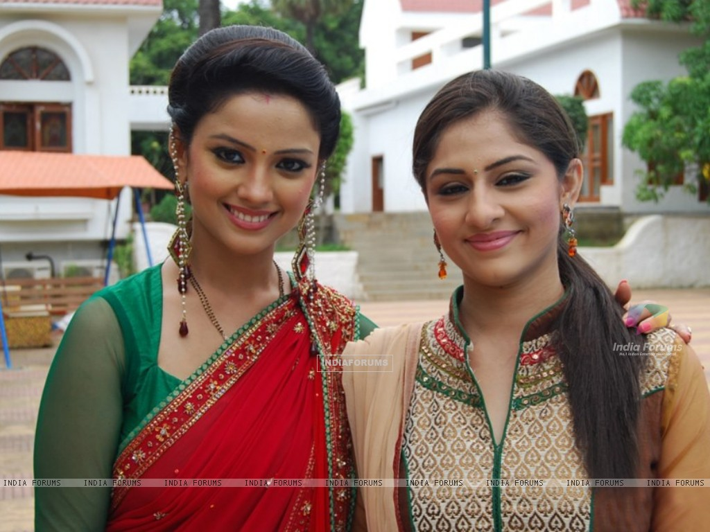 Ankita Sharma and Adaa Khan (225909) size:1024x768