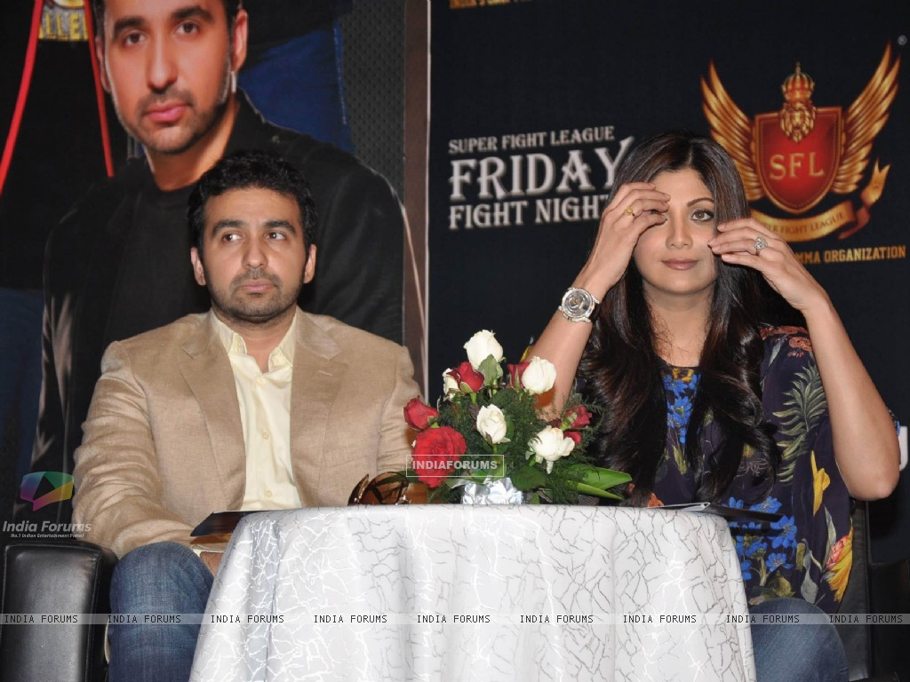 Shilpa Shetty with her husband Raj Kundra at SFL press meet (227632) size:1024x768