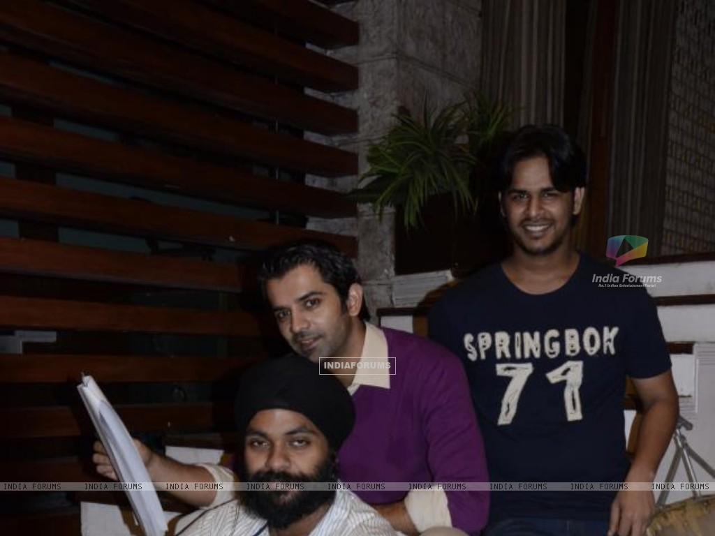 Barun Sobti with Crew of IPKKND (228893) size:1024x768