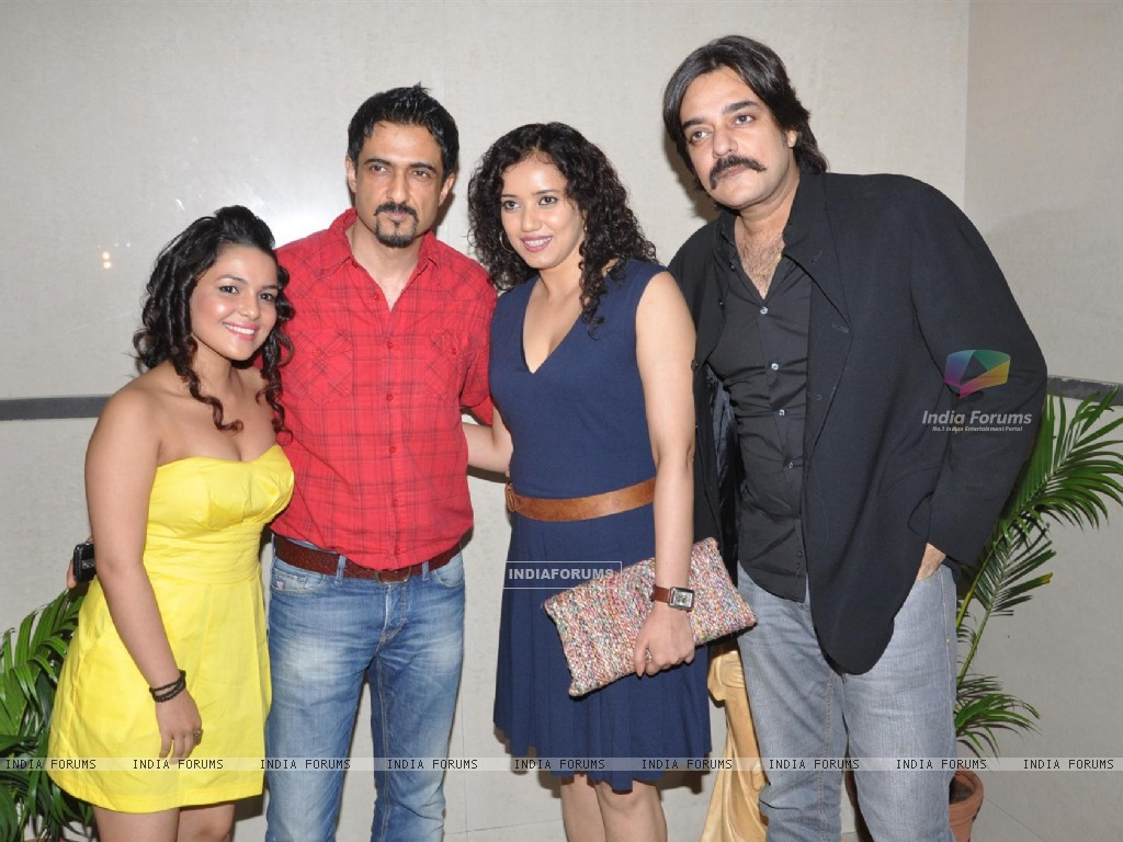 Bollywood actors Sanjay Suri, Chandrachur Singh, Chitrashi Rawat, Shreya Narayan at film Prem Mayee press meet at Hotel Four Seasons in Juhu, Mumbai. (229816) size:1024x768