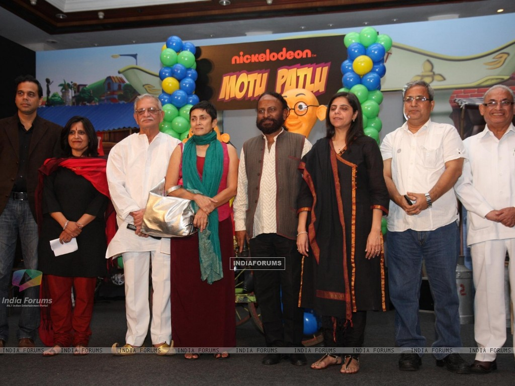 Gulzar and Ketan Mehta at the launch of the new Nickelodeon show �Motu Patlu�, at Hotel Taj Lands End, in Mumbai (229909) size:1024x768