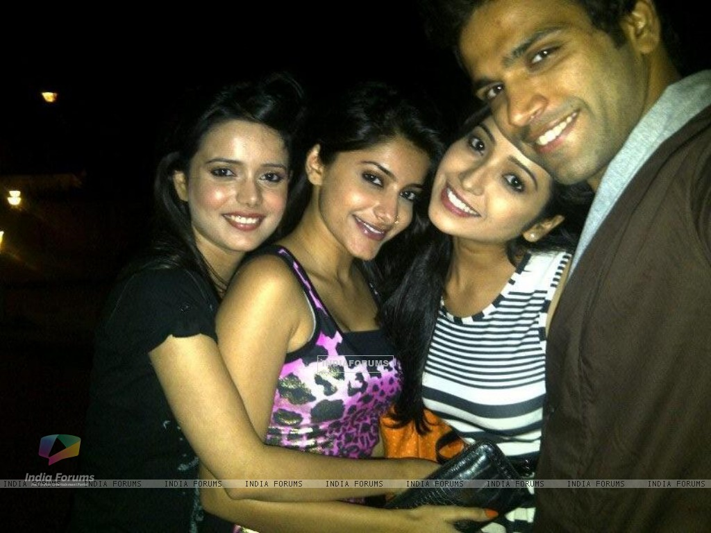 Asha, Jia, Shruti and Rithvik (231498) size:1024x768