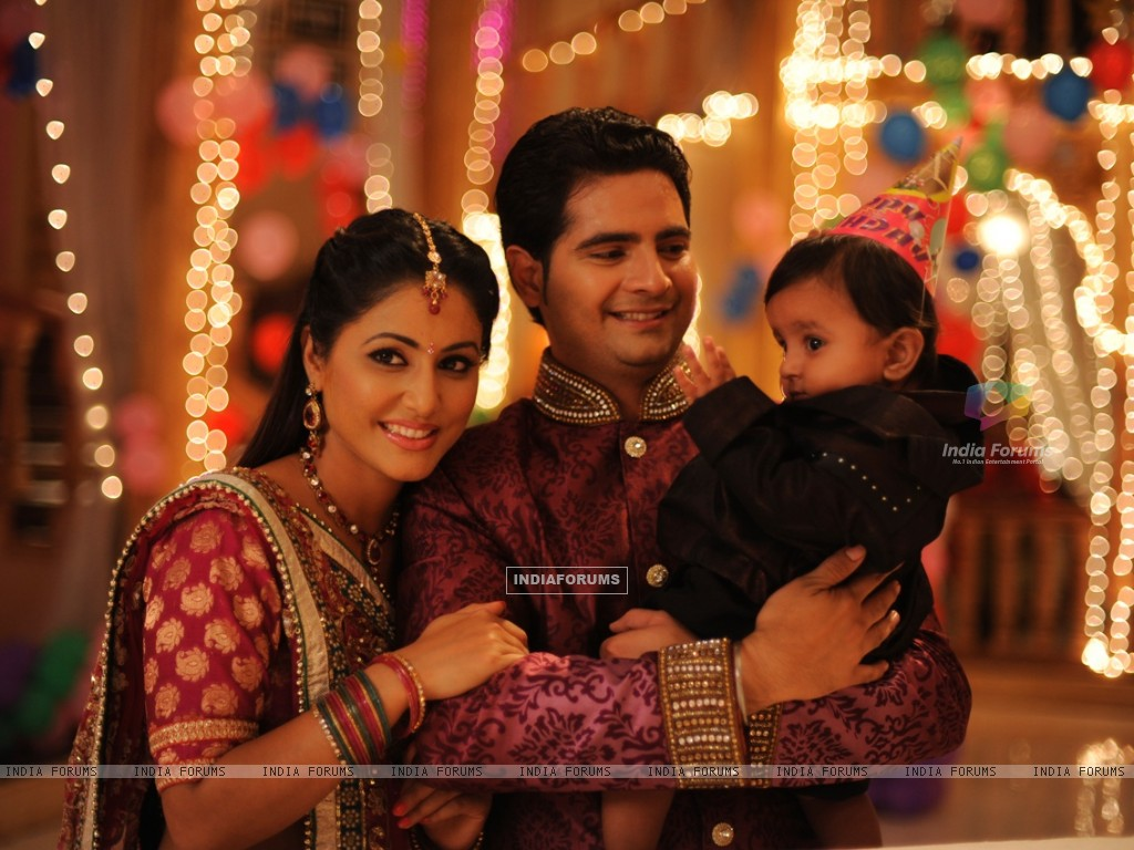 Hina khan and Karan Mehra on the set Yeh Rishta Kya Kehlata Hai (232155) size:1024x768