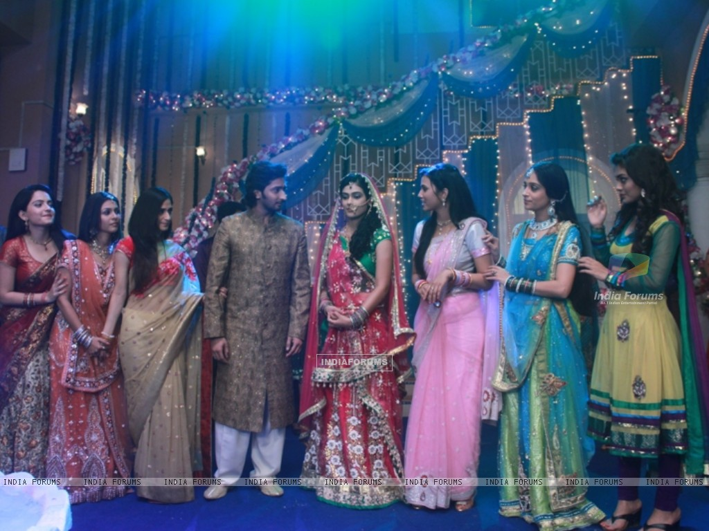 Sangeet ceremony of Mohan and Megha (233022) size:1024x768