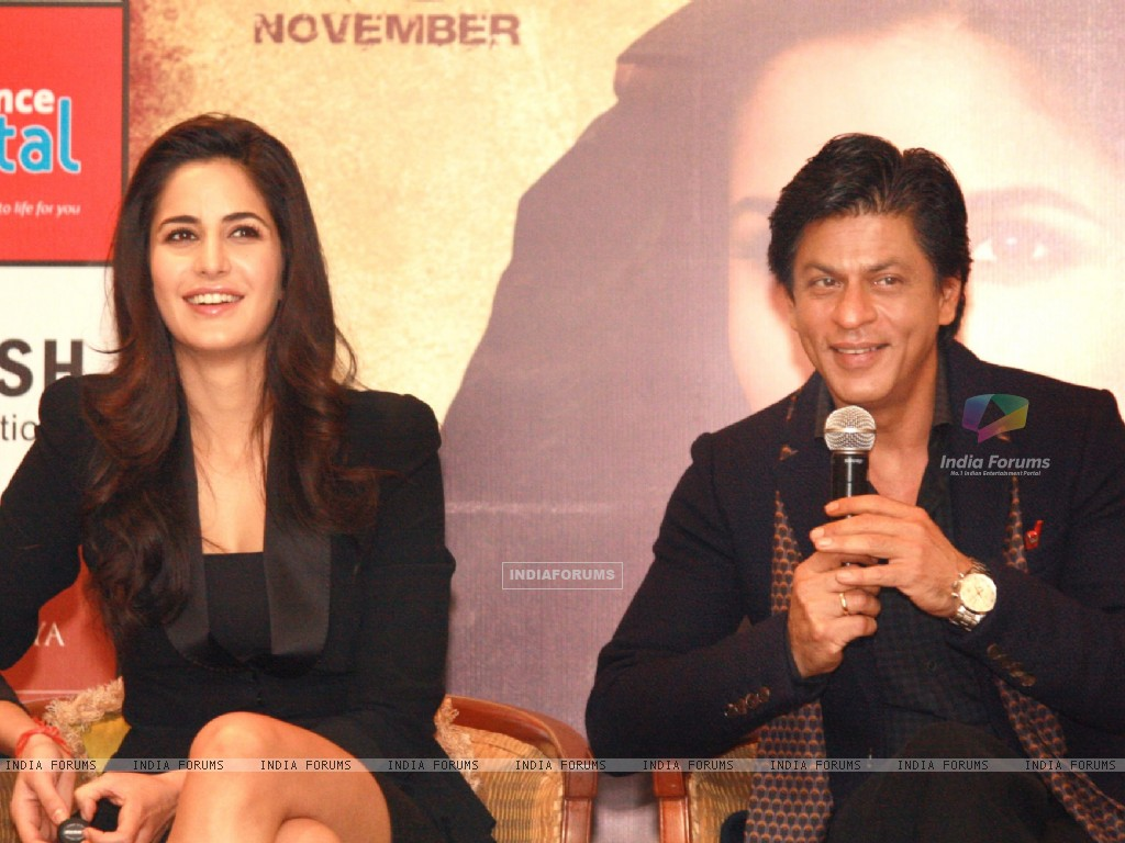 Shahrukh Khan and Katrina Kaif at a press conference for the film Jab Tak Hai Jaan (238942) size:1024x768