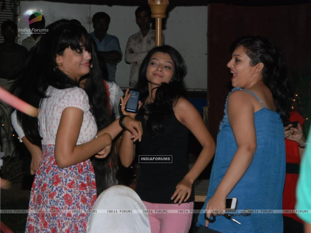 Neha at Launch QH Party (239580) size:1024x768