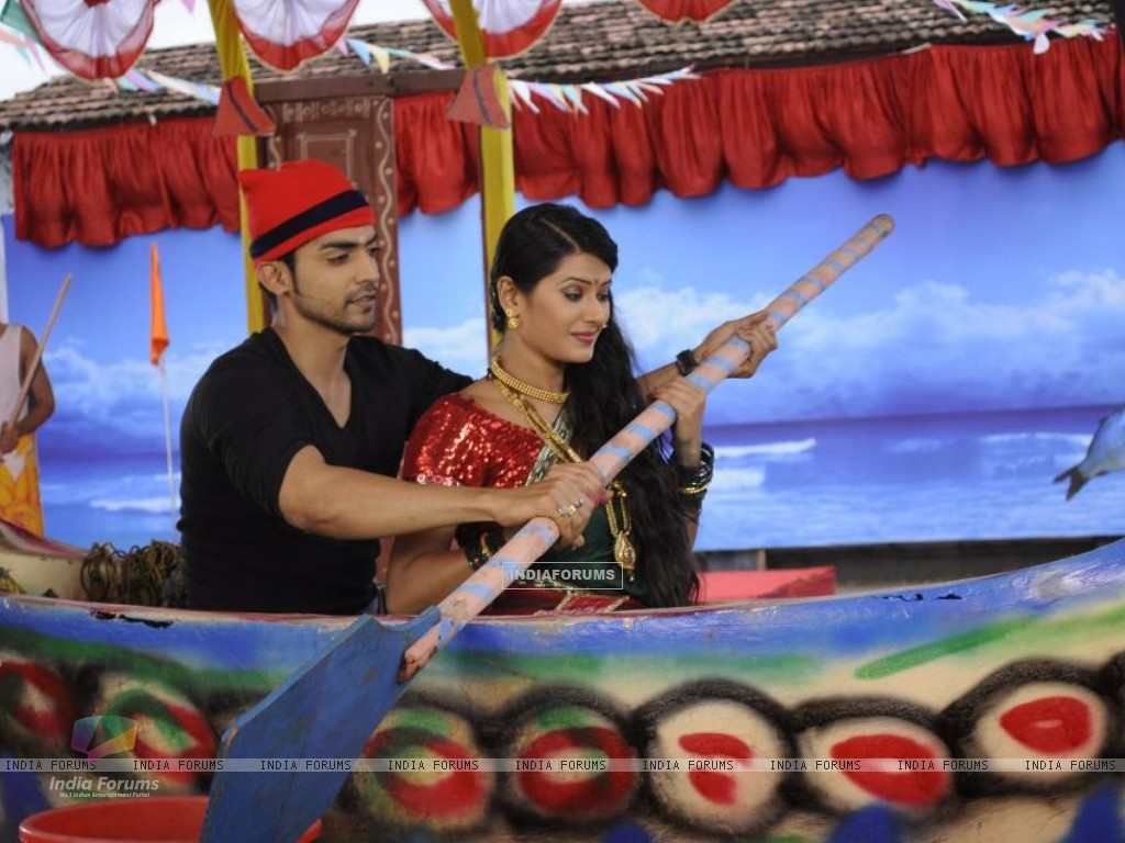 Gurmeet and Kratika (242158) size:1024x768