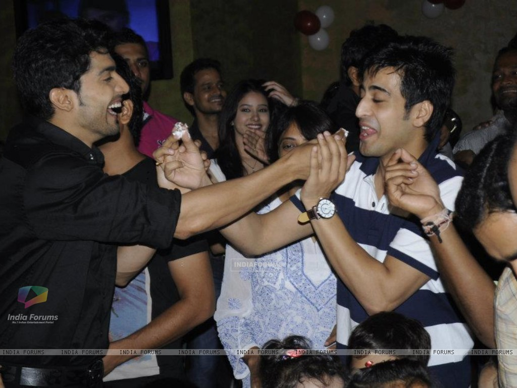 Gurmeet and Dishank (242162) size:1024x768