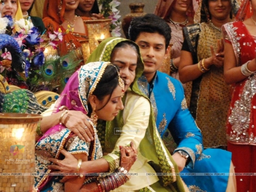 Dadisa with Shiv and Anandi at their Sangeet Ceremony in Balika Vadhu (242934) size:1024x768