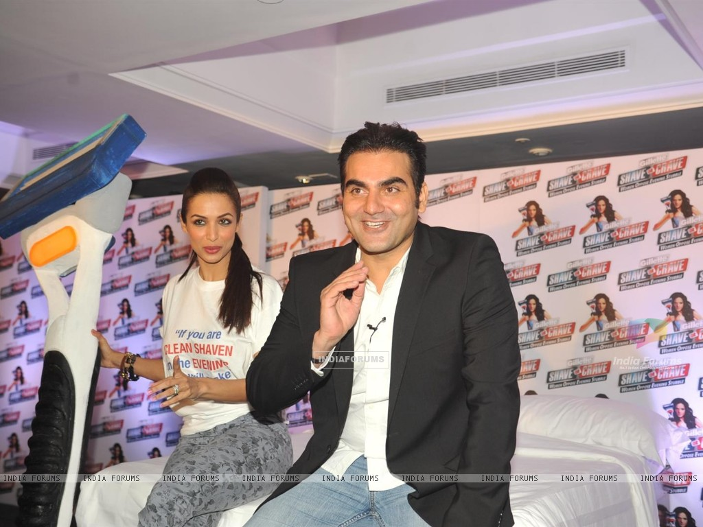 Malaika Arora with husband Arbaaz Khan during an promotional event of Gillette (244219) size:1024x768