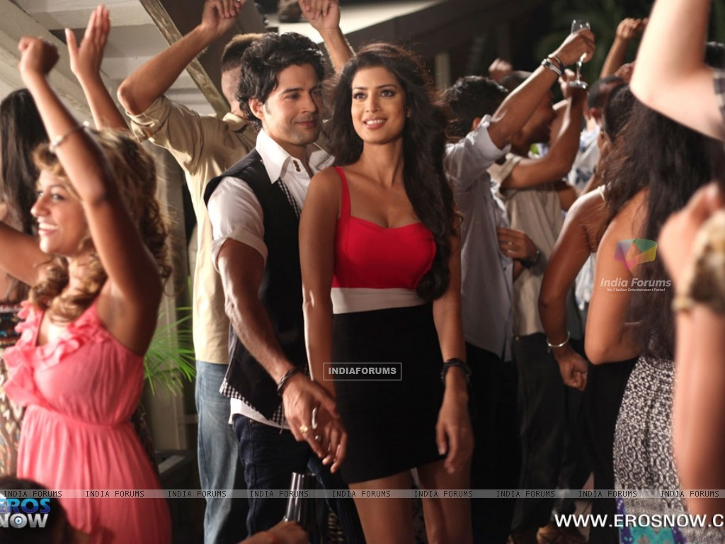 A still of Tena Desae with Rajeev Khandelwal from the movie Table No. 21 (247197) size:1024x768