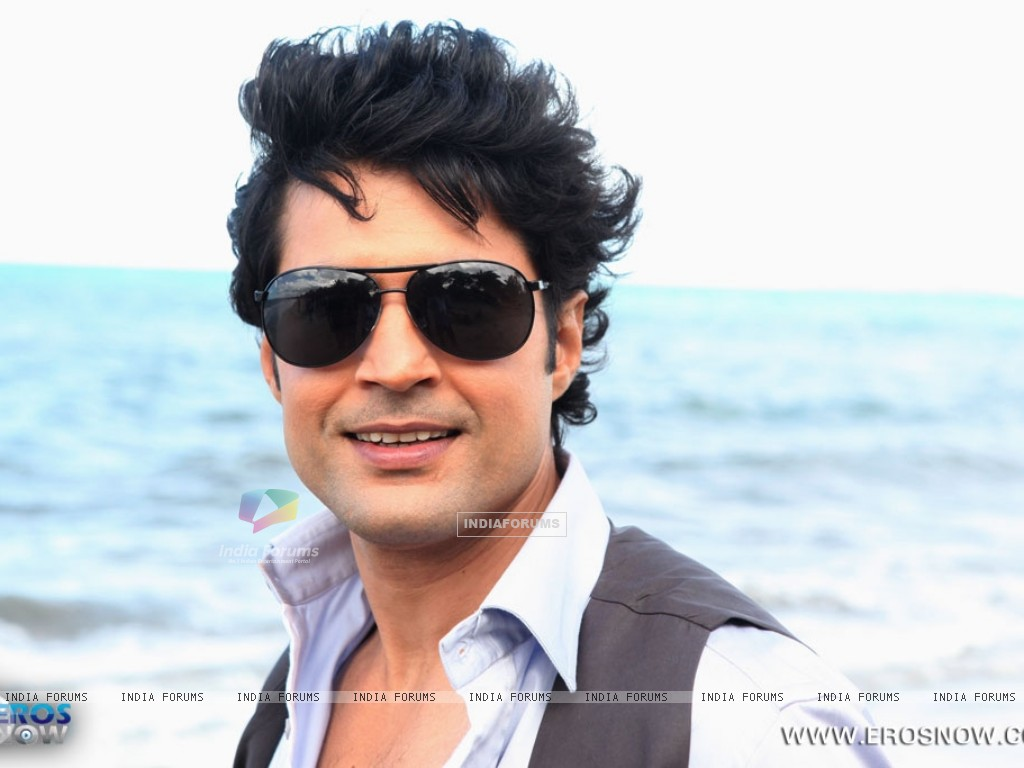 A still of Rajeev Khandelwal from the movie Table No. 21 (247206) size:1024x768