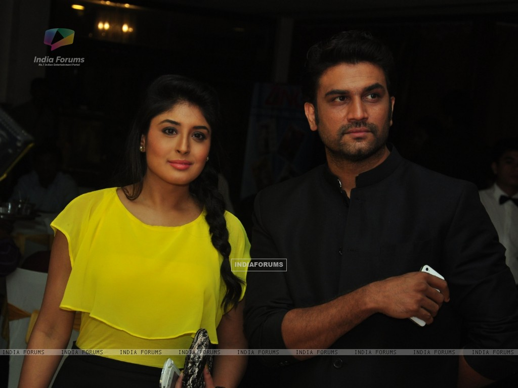 Kritika Kamra & Sharad Kelkar at the celebration of India Forums 9th Anniversary (248888) size:1024x768