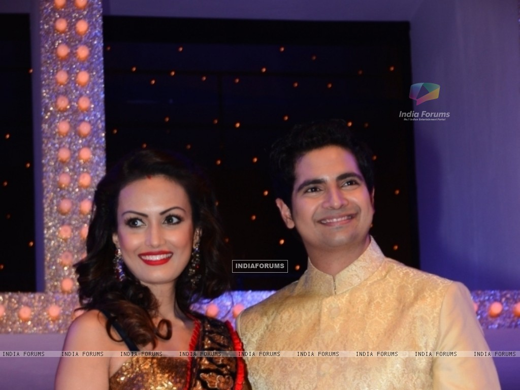 Karan Mehra with wife Nisha Rawal at Nach Baliye 5 (249089) size:1024x768