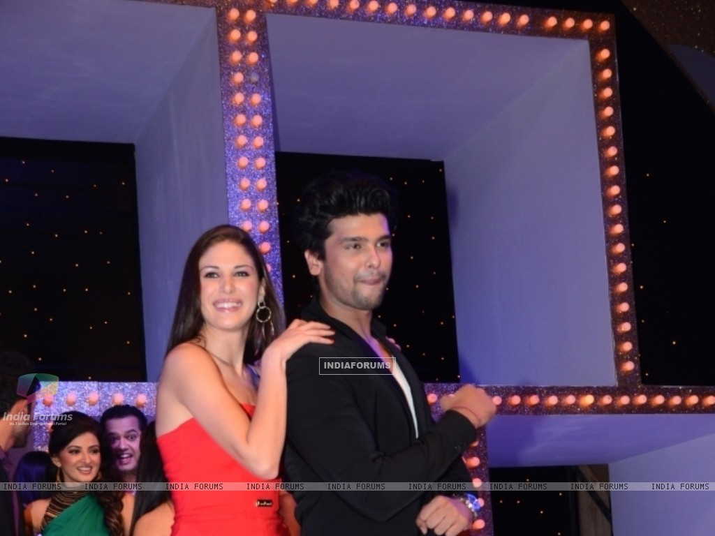 Kushal Tandon and Elena Boeva at Nach Baliye 5 (249091) size:1024x768