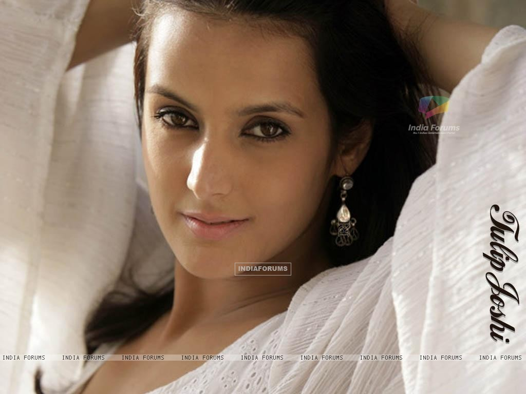 Tulip Joshi - Photo Gallery