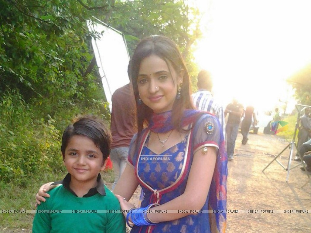 Vishesh and Sanaya (258850) size:1024x768
