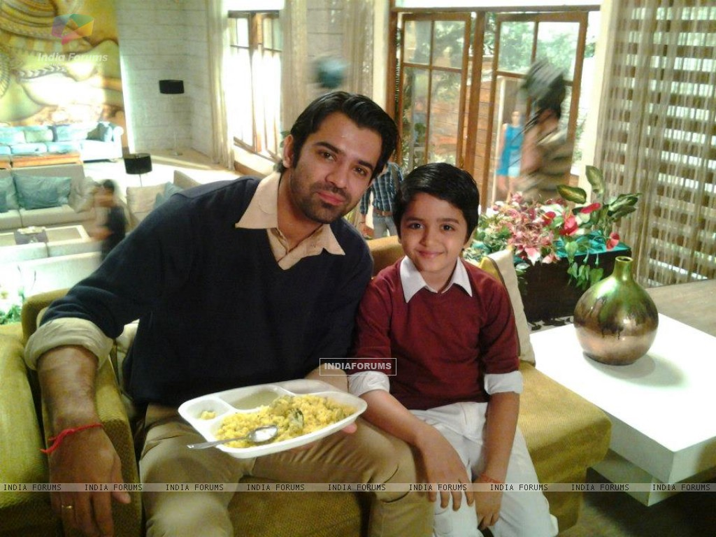 Vishesh and Barun (258852) size:1024x768