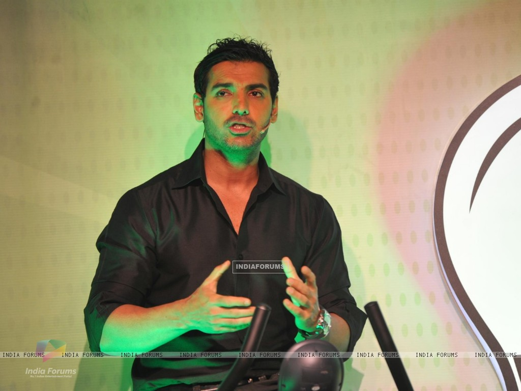 John Abraham with Garnier Men launched a unique social campaign of Power Light A Village (269674) size:1024x768