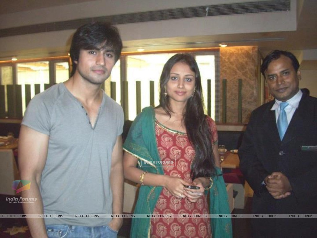 Harshad Chopda and Anupriya Kapoor. (273019) size:1024x768