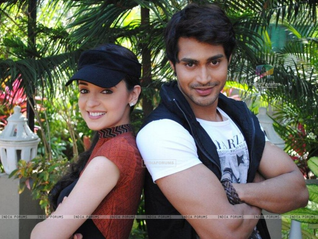 Sanaya and Farhan (275059) size:1024x768