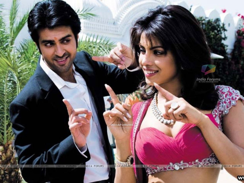 Priyanka Chopra and Harman Bewaja dancing (37888) size:1024x768