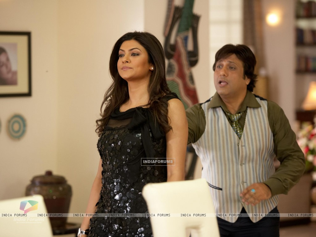 A still image of Govinda and Sushmita Sen (38096) size:1024x768