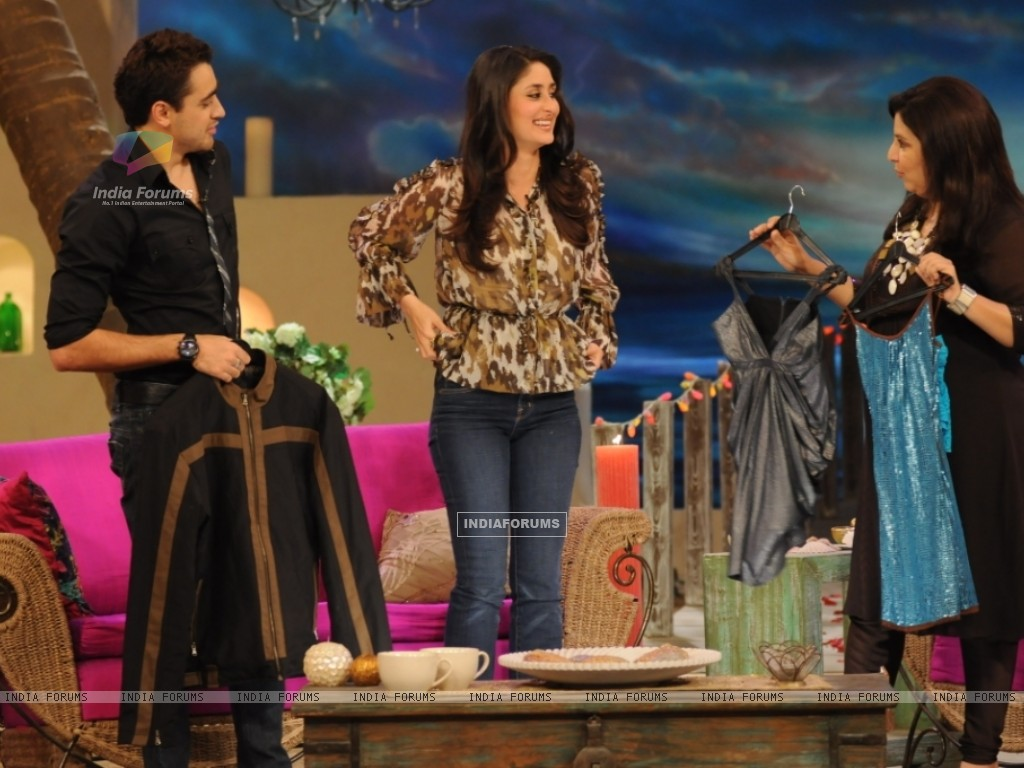 A still image of Kareena,Imraan and Farah (38530) size:1024x768