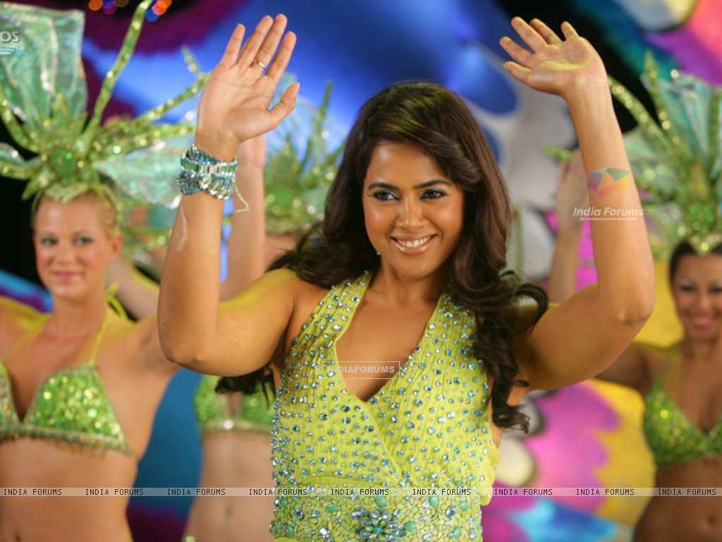 Sameera Reddy dancing on the dance floor (39255) size:1024x768
