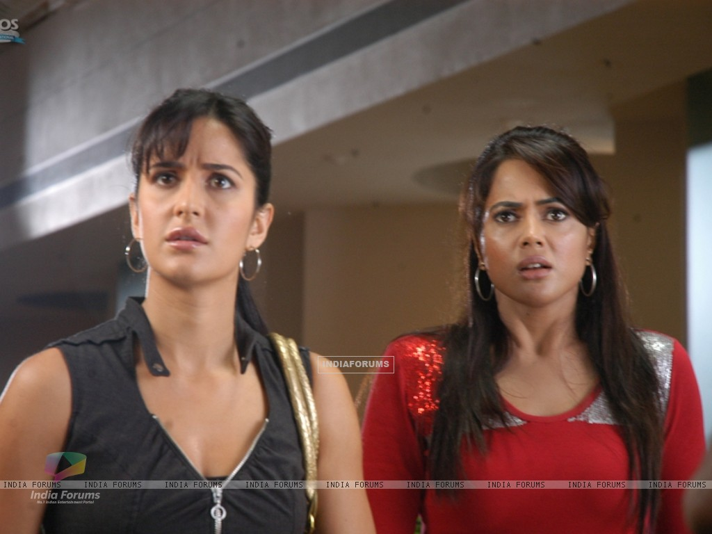 Katrina and Sameera looking shocked (39258) size:1024x768