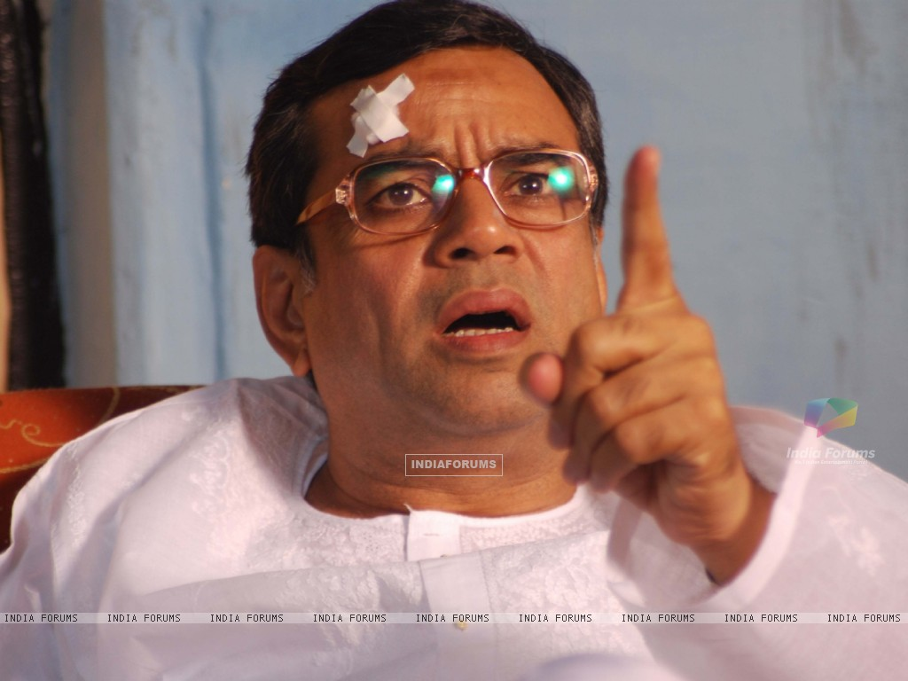 Paresh Rawal looking angry (40188) size:1024x768