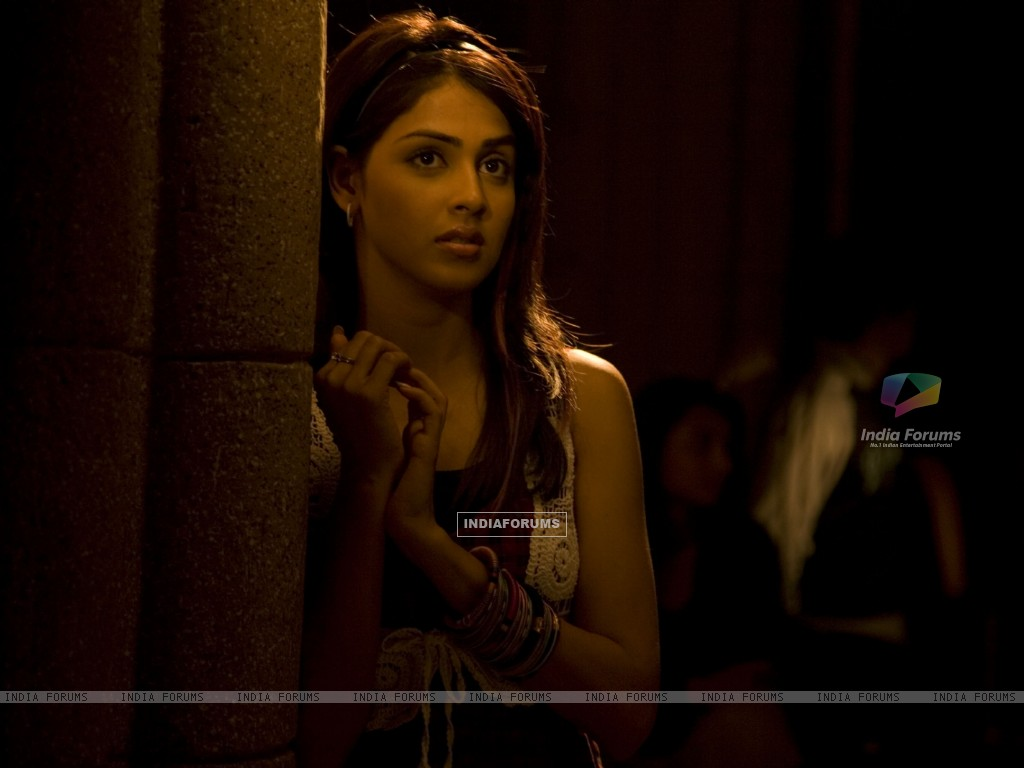 Genelia Dsouza looking worried (40237) size:1024x768